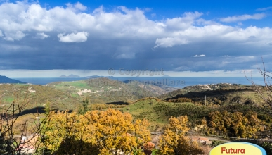 Rif. 439 - Montalbano Elicona - Casa singola panoramica con cortile in VENDITA