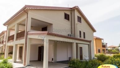 Rif. 390 - Giardini Naxos - Prestigiosa villa in VENDITA