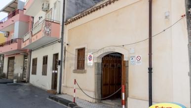 Rif. 415 - Barcellona Pozzo di Gotto - Casa singola uso magazzino