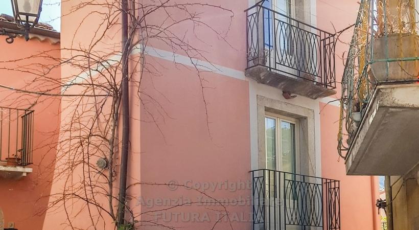Rif. 429 - Novara di Sicilia - Casa singola in VENDITA