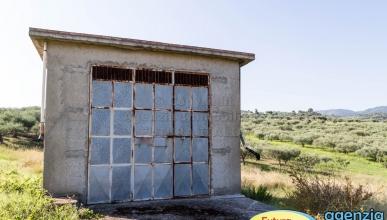 Rif. 462 - Furnari - Locale deposito in zona agricola in VENDITA