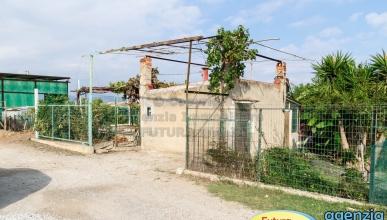 Rif. 464 - Terme Vigliatore - Terreno agricolo con annesso magazzino in VENDITA