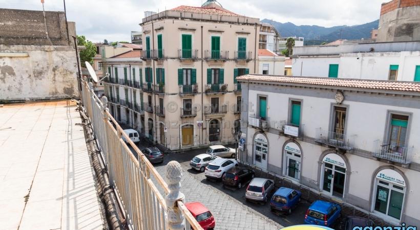 Rif. 451 - Barcellona P.G. - In zona centralissima ampio loft al piano secondo in Vendita