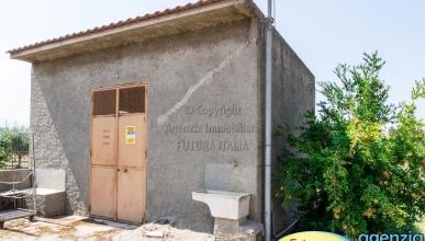 Rif. 474 - Torregrotta - terreno agricolo con magazzino in VENDITA