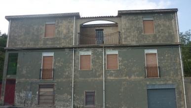 Rif. 270 - Tripi - Edificio in VENDITA