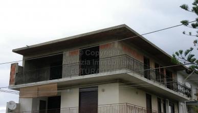 Rif. 403 - Terme Vigliatore - Appartamento allo stato rustico in VENDITA