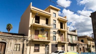 Rif. 476 - Terme Vigliatore - AFFARE -  Due appartamenti in VENDITA