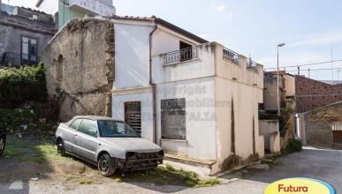 Rif. 413 - Barcellona P.G. - Casa singola in VENDITA