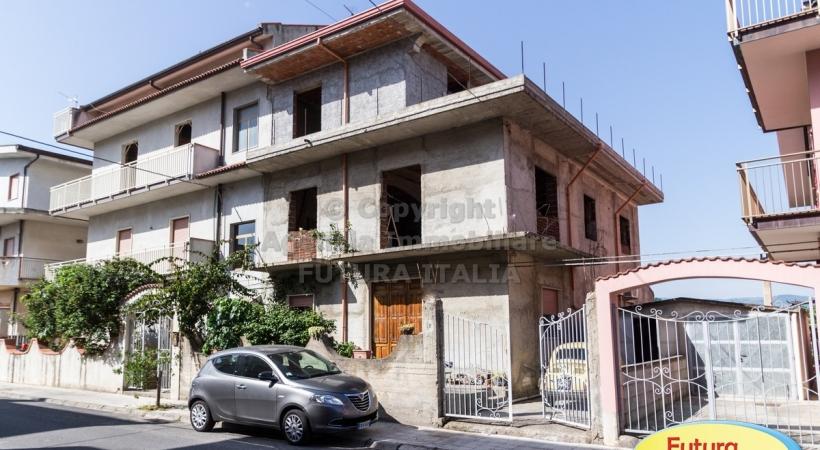 Rif. 424 - Terme Vigliatore - Parziale edificio in VENDITA